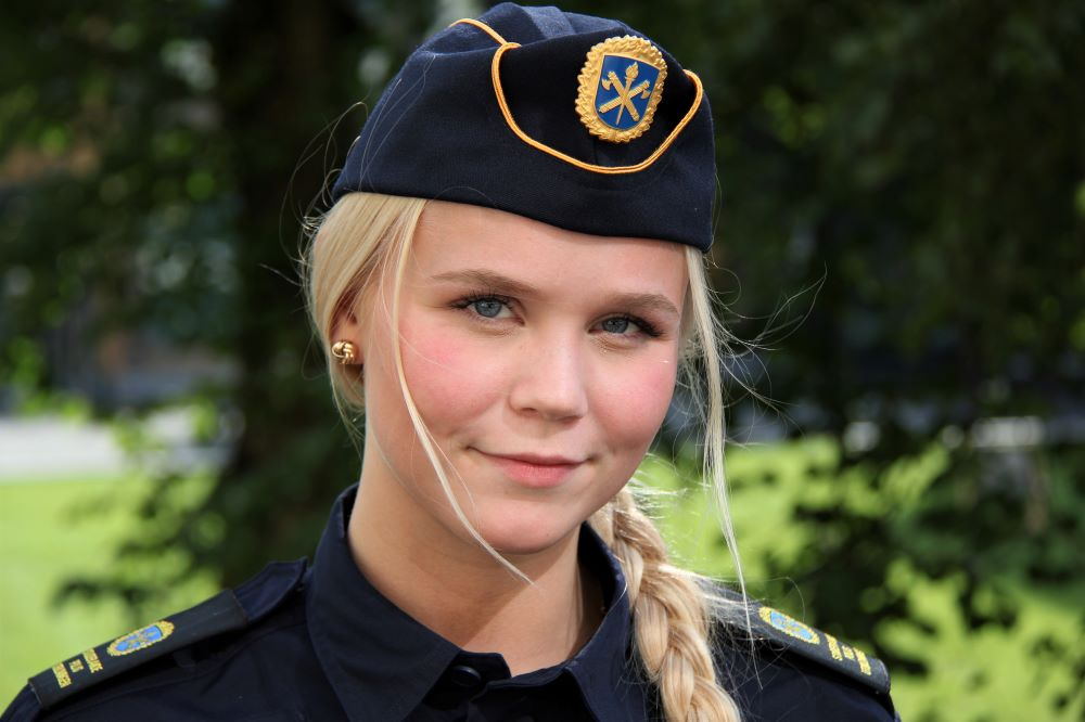 Alva Cronehag går andra terminen på polisutbildningen i Borås.