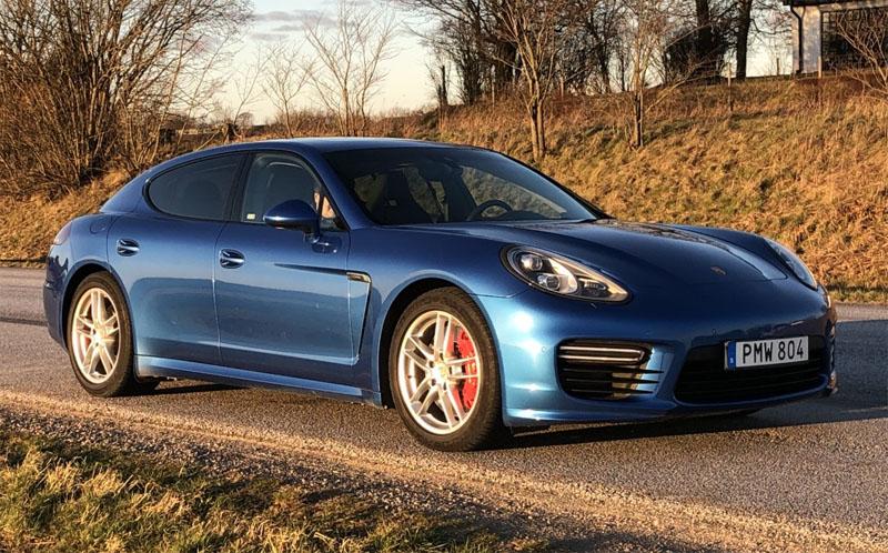 Blåmetallic Porsche Panamera GTS stulen i Klågerup öster om Malmö