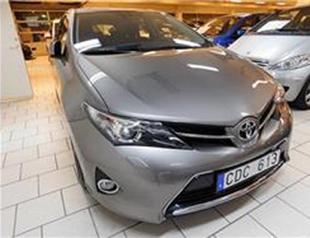 Gråbrun metallic Toyota Auris stulen i Anderslöv nordost om Trelleborg