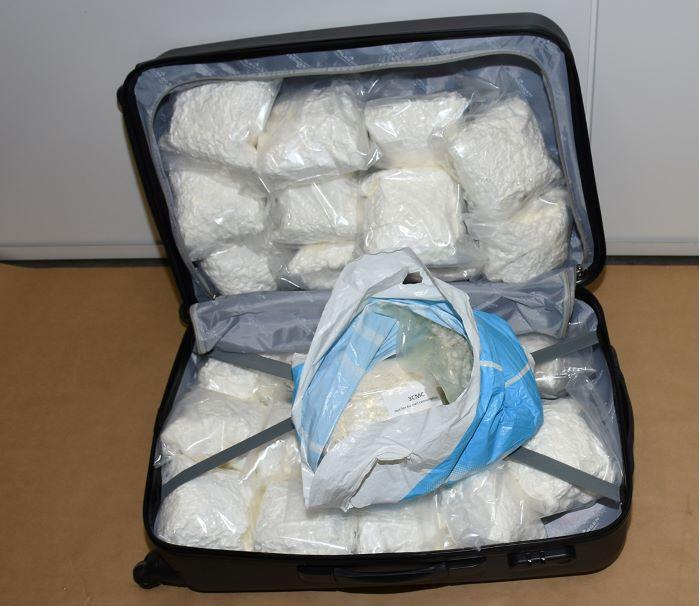 En av väskorna med narkotikapreparat. Antalet missbrukardoser uppgår totalt till över 500 000.