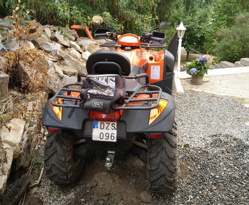 Orange fyrhjuling CF Moto CF625-C stulen i Skogås, Huddinge