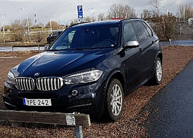 Svart BMW X5 M50D stulen i Kävlinge norr om Lund