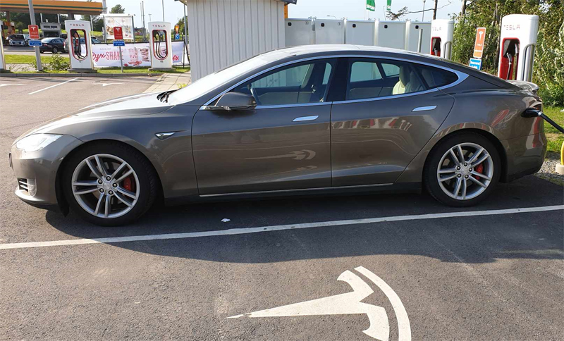 Brungrå metallic Tesla Model S P85D AWD Single Speed stulen i Ängelholm