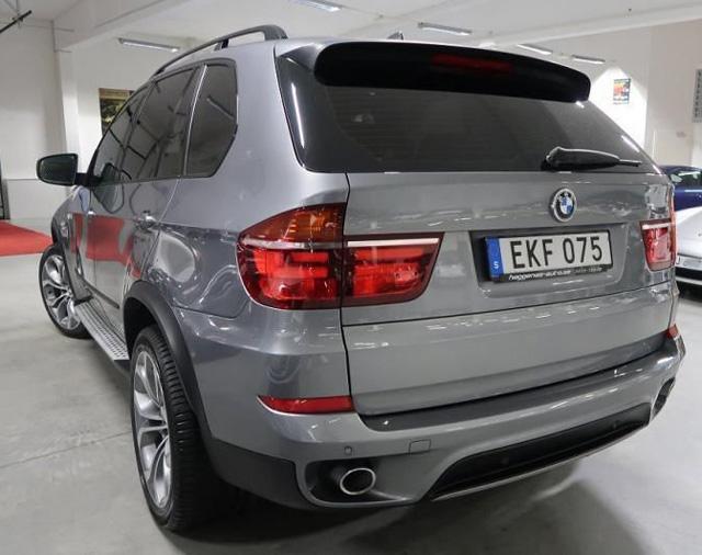 Grå metallic BMW X5 Xdrive 4.0D stulen i Lomma strax norr om Malmö