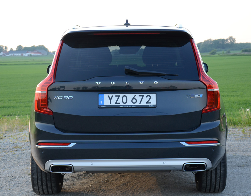 Grå Volvo XC90 T5 AWD Inscription stulen i Oxie, Malmö