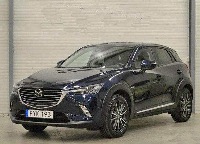 Mörkblå Mazda CX-3 stulen i Lund