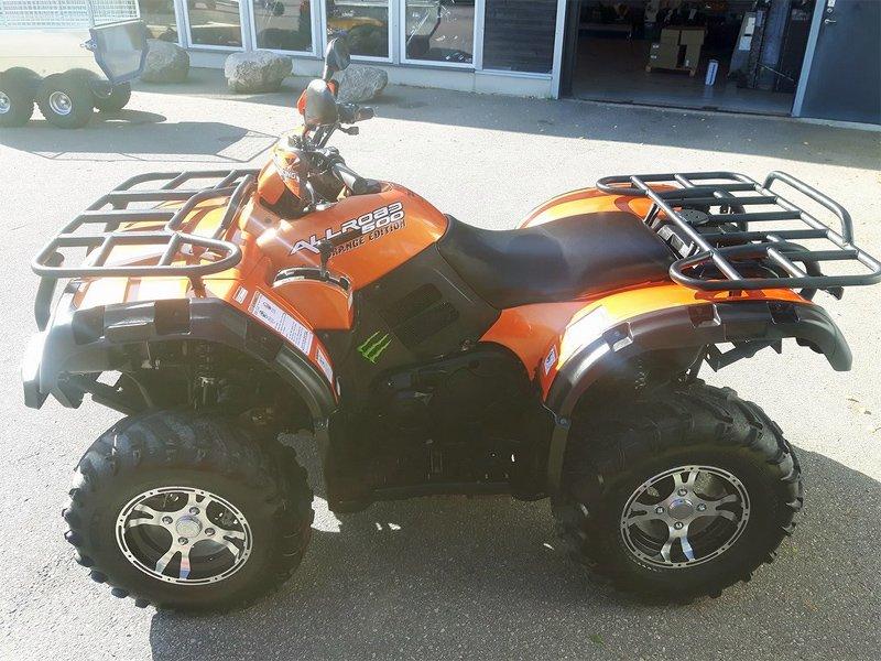 Orange fyrhjuling CF Moto CF500 stulen i samband med inbrott strax nordväst om Munkedal