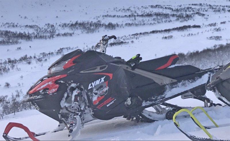Släpvagn lastad med snöskoter Lynx Boondocker 3700 RE 850 stulen i Boda, mellan Rättvik och Furudal