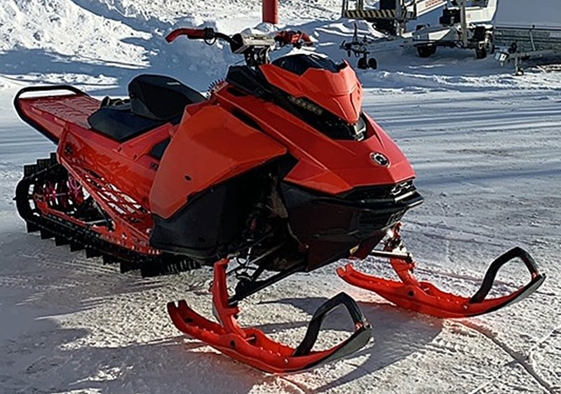 Snöskoter Ski Doo Summit X 154 850 stulen i Järpen