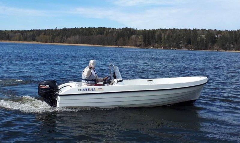 Ideal 500 med 30 Hk Suzuki stulen på Yxlan sydost om Norrtälje