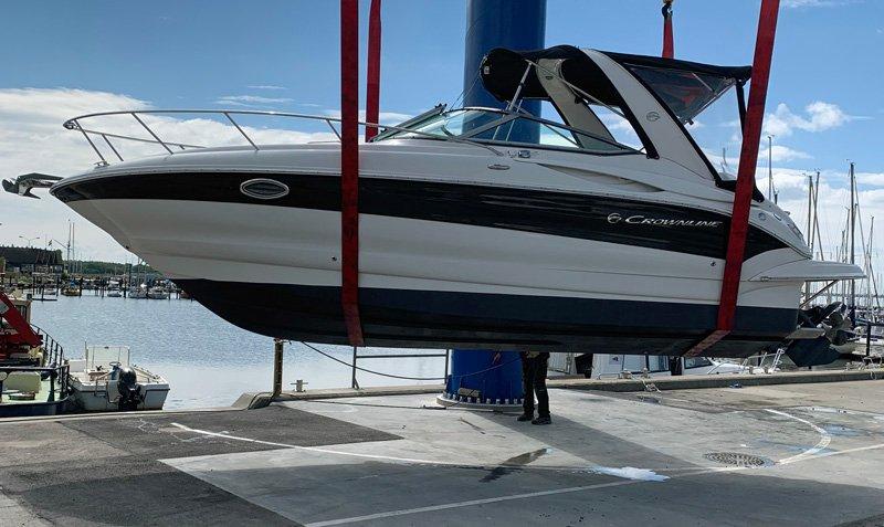 Motorbåt Crownline 250 CR stulen i Lagunens småbåtshamn Malmö