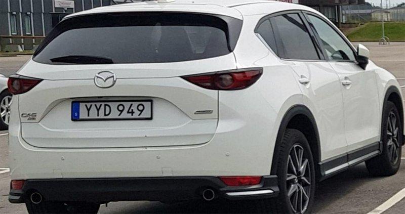 Vit Mazda CX-5 2.5 AWD stulen i Vänersborg