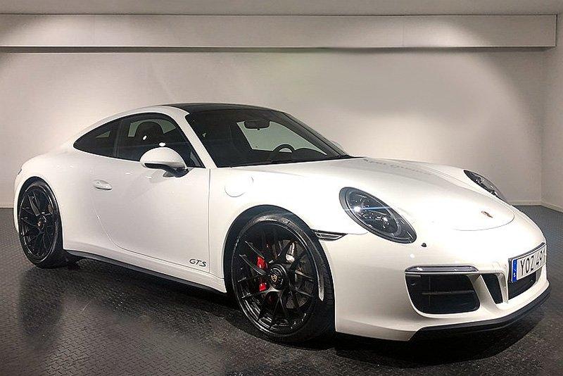 Vit Porsche 911/ 991 Carrera 4 GTS stulen söder om Askersund