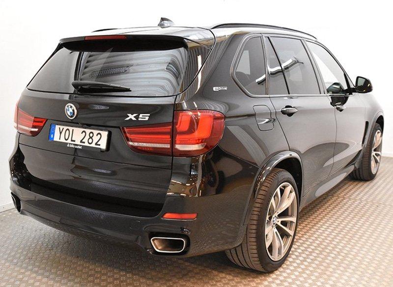 Svart BMW X5 Xdrive 40E IPerformance stulen/bedrägeri Kungsängen nordväst om Stockholm